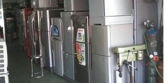Collected refrigerators, freezers, old air conditioners in Ho Chi Minh