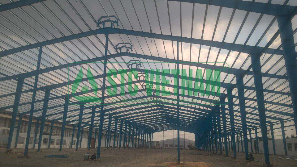 Building steel buildings for factories