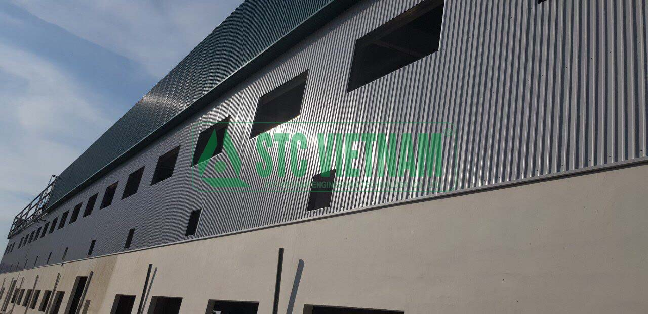 Building steel buildings for factories and prefabricated houses.