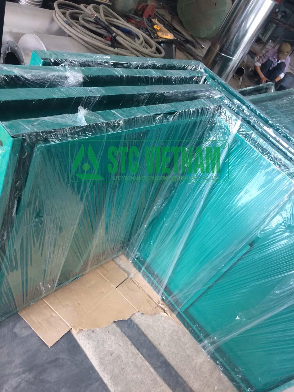 Heat-insulating casing generator